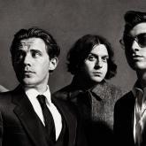 Arctic Monkeys son Matt Helders, Jamie Cook, Nick O'Malley y Alex Turner.