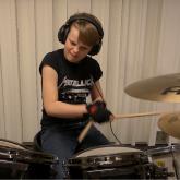 Johannes Rørvik Grov versionando la discografía de Metallica