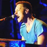 Coldplay rinde tributo a MCA