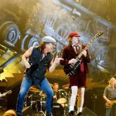 En Sídney, Australia, en 1973, Malcolm y Angus Young formaron AC/DC