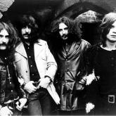 Desde 1968 y hasta 2017 estuvo activa Black Sabbath, una de las más grandes de Metal de la historia.
