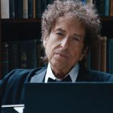 Robert Allen Zimmerman o Bod Dylan, es cantante, músico y poeta.