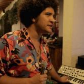 Gaitas, tambores y beats electrónicos en un nuevo Amplificado TV
