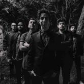 Nicolai Fella · Voz,  Sebastián Panesso (Pane) · Guitarra, Cesar Henao · Batería, Nane · Teclados, Daniel Pedroza · Bajo, Juan David Villacrez · Saxofón. Foto: Cortesía de la banda