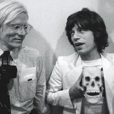 Andy Warhol, la Go Pro de la época y Mick Jagger de The Rolling Stones.