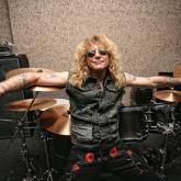 Steven Adler de 51 años, baterista original de Guns N' Roses.