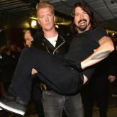 Josh Homme y Dave Grohl, excompañeros en Queens Of The Stone Age.