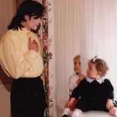 Michael Jackson y sus hijos Prince y Paris.