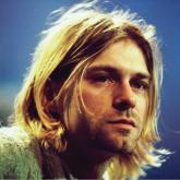 Kurt Cobain inició su carrera en 1982 y falleció en 1994, a los 27 años.