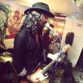 Las 10 del nuevo álbum de Carlos Reyes & La Killer Band