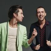 Alex Turner y Miles Kane. Foto tomada de la página oficial de la banda.