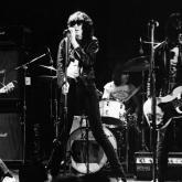 El primer disco de The Ramones fue lanzado el 23 de abril de 1976