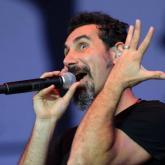 Vean a Serj Tankian cantando en vivo el tema de Game of Thrones