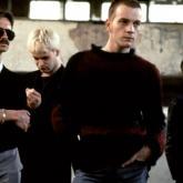 En el 2007 los editores de la revista Vanity Fair clasificaron la banda sonora original Trainspotting como la 7ma mejor en la historia del cine