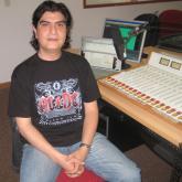 Andrés Durán en el actual máster de la emisora (consola antigua). 2009.
