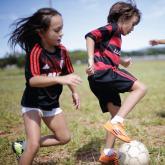 'Goles Para La Paz': balones indestructibles para niños soñadores