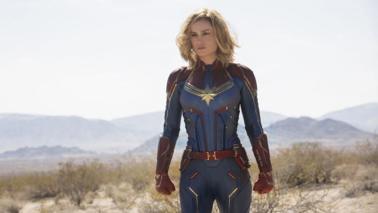 Brie Larson como Capitana Marvel.