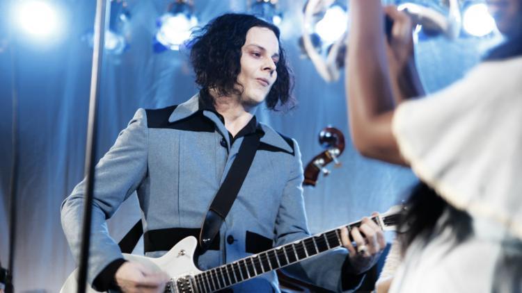 Jack White prohíbe los teléfonos en sus shows en vivo