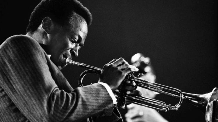 Miles Davis. Foto tomada de YouTube.