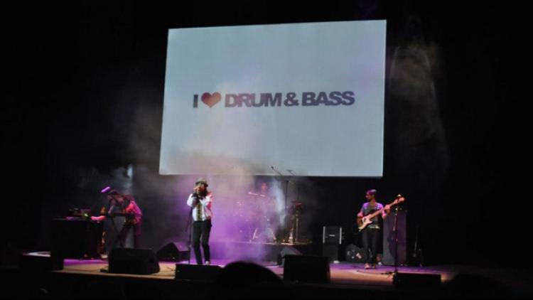 Descarga Sonidos Colombianos: Radio Rebelde
