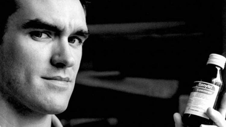 Médicos le sugieren a Morrissey retirarse de los escenarios