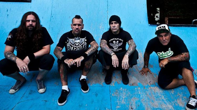 Maná para el metal latino