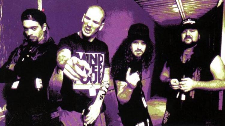 """Escuchen """"Piss"""", la única canción inédita de Pantera"""