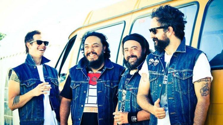 """Agua Maldita"" a 20 años de Molotov"