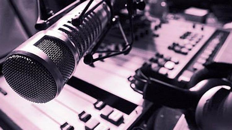 """Otras formas de hacer radio: Jorge Caicedo en """"Ver, oír, gozar"""""""