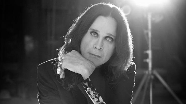Ozzy Osbourne lanza 'Memoirs of a madman'