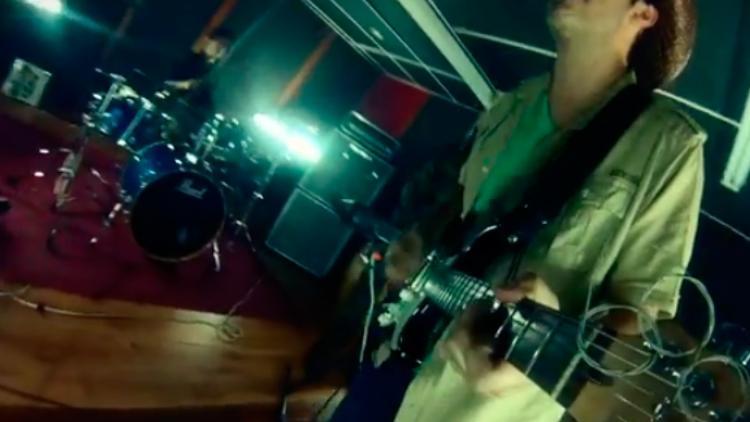 """Alguacil y ex Radio Bemba lanzan """"Refugiados"""""""