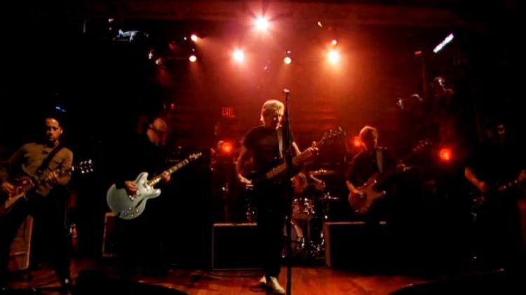 Roger Waters y Foo Fighters In The Flesh