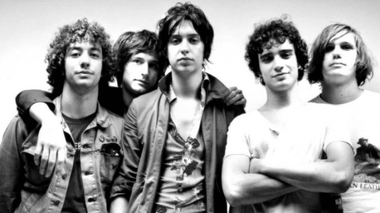 "The Strokes lanzan ""All The Time"""