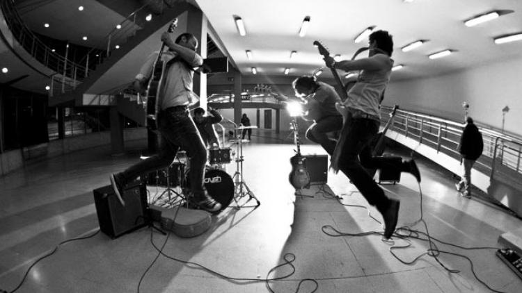 'Con Las Manos' video oficial