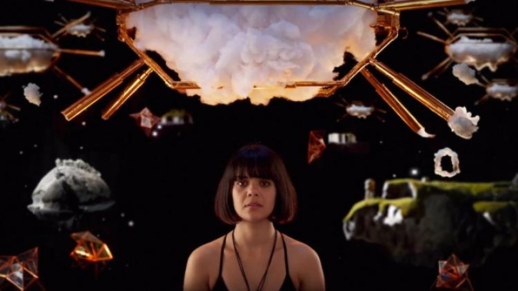 "Bat For Lashes lanza video para ""Lilies"""