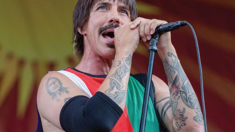 Aunque no lo crean, Anthony Kiedis le salvó la vida a un bebé