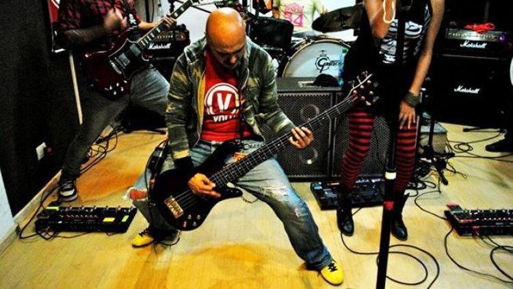 V For Volume regresa a Colombia después de su gira por EE.UU