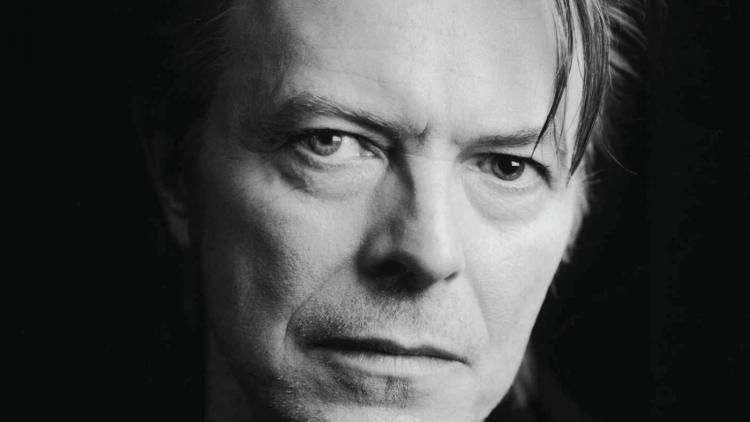 David Bowie nació el 8 de enero de 1947 y falleció el 10 de enero de 2016.