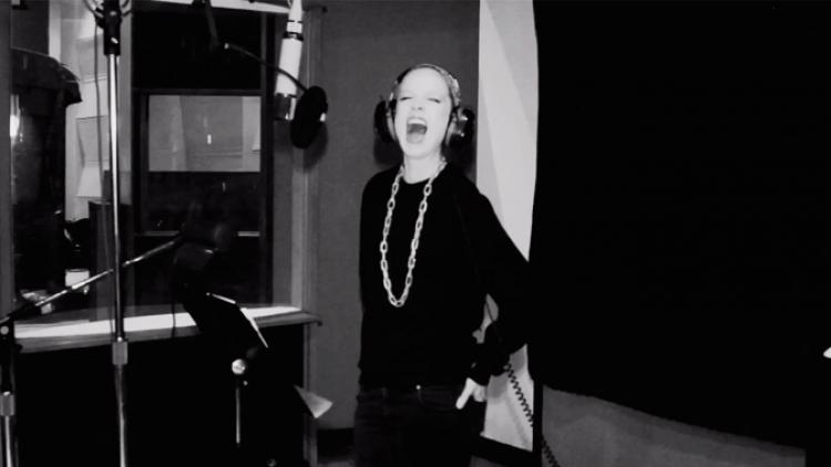 "Garbage y Screaming Females versionan ""Because The Night"""