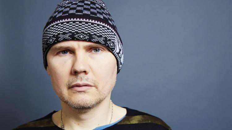 William Patrick Corgan, Jr. de 49 años.