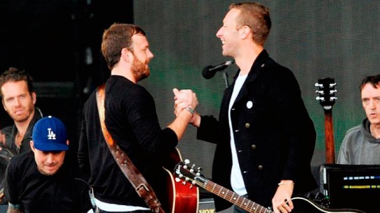 Chris Martin y Kings of Leon juntos