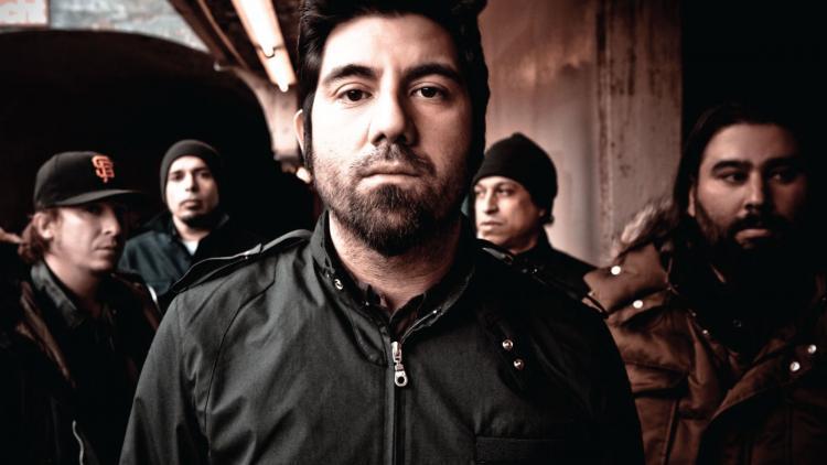 Deftones es originaria de Sacramento, California y trabajan juntos desde 1988.
