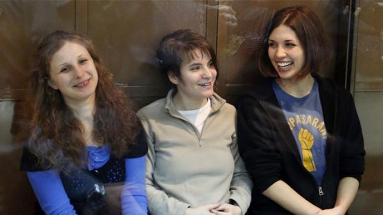 Liberarán a las dos Pussy Riot encarceladas