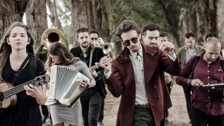 El Pasado es el segundo corte del álbum 'Caótica belleza'