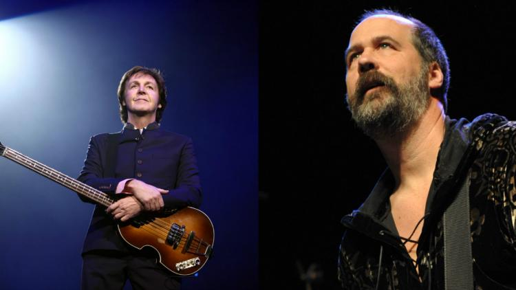 Paul McCartney y Krist Novoselic de Nirvana tocan clásico de The Beatles