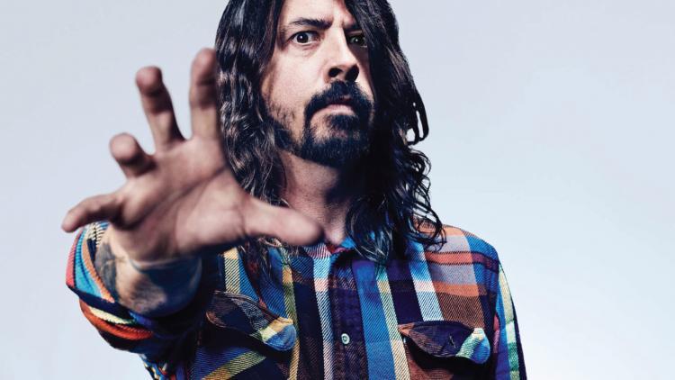David Eric Grohl fue baterista de Nirvana desde 1990 hasta su desaparición en 1994, año en que formó a los Foo Fighters.