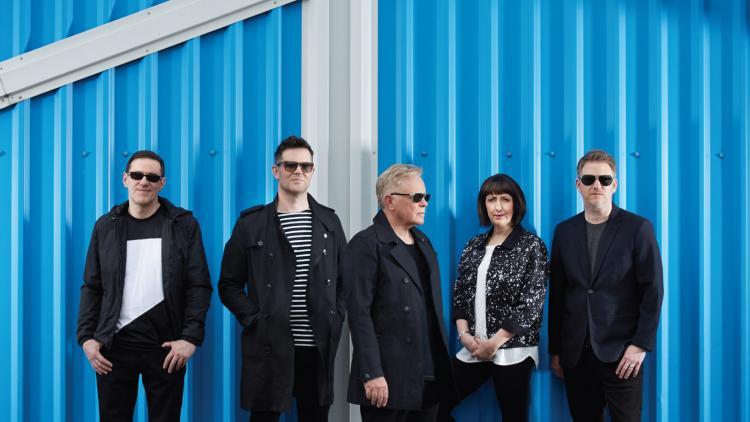 """""""Music Complete"""" es el décimo álbum de estudio de New Order."""