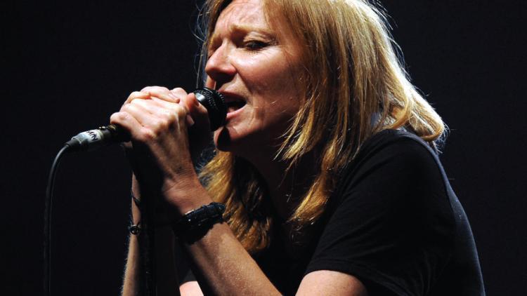 Beth Gibbons de 51 años, cantante y compositora de Portishead.