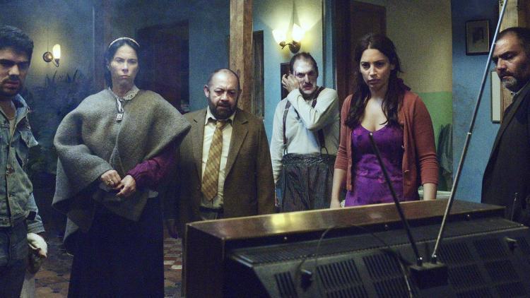 Alejandro Aguilar, Laura García, Fernando Arévalo, Andrés Parra, Laura Ramos y Enrique Carriazo en Siempreviva