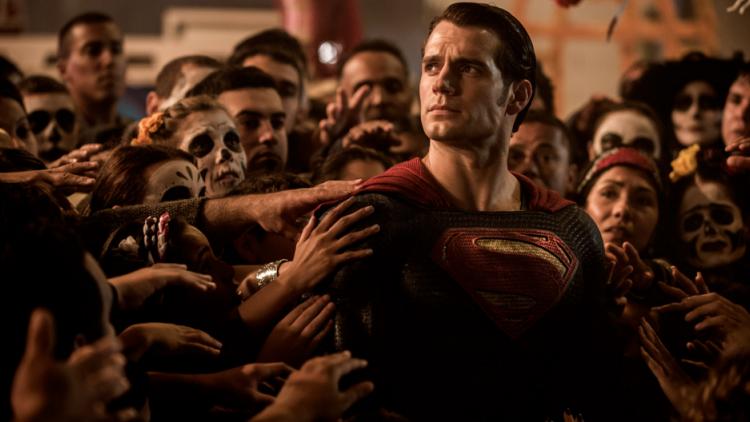 Además de esta cinta, Warner Bros prepara el estreno de Suicide Squad en agosto de 2016; en junio de 2017, 'Wonder Woman'; y en noviembre, 'The Justice Leagu: part One'.